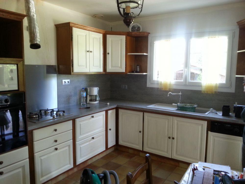 cuisine apres plan de travail et credence sur mesure lacque cuisine relookee nos. Black Bedroom Furniture Sets. Home Design Ideas